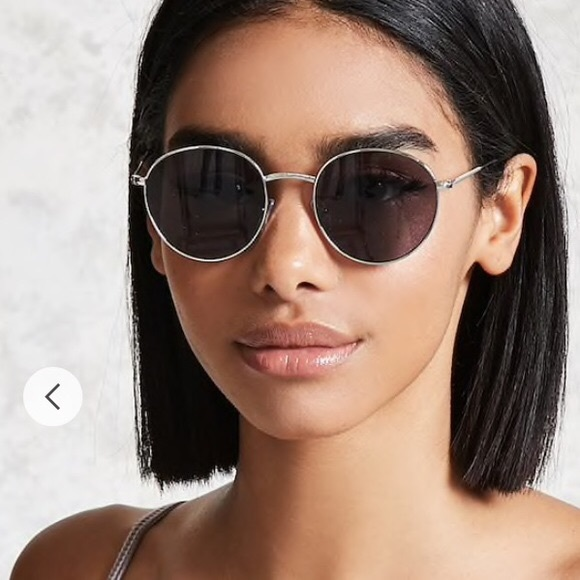 f2a984ad4f7ca Forever 21 Accessories - Forever 21 Round Sunglasses